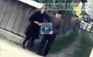 doi batrani la colt de strada