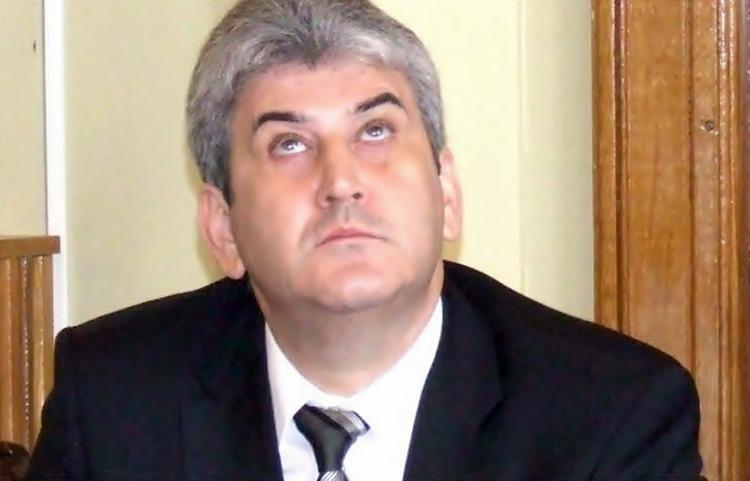 Rîsu' – plînsu' constituțional | Iohannis nu e obligat să-l numească premier interimar pe Găbiță Oprea