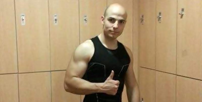 Criminalul care a șocat Spania după ce a ucis două femei și le-a aruncat cadavrele în râu, a fost prins în România. În vârstă de 29 de ani, Sergio Morate fusese dat în urmărire europeană după ce pe 6 august a ucis două femei în orașul Cuenca din Spania după care a fugit în România ajutat de un prieten român pe care l-a cunoscut în pușcărie. Potrivit Inspectoratului de Poliţie Judeţean Timiş, criminalul spaniol a fost prins joi, în municipiul Lugoj, de către poliţiştii Serviciului de Investigaţii Criminale, în urma schimbului de date şi informaţii prin Biroul SIRENE. După ce poliţiştii spanioli l-au localizat pe suspect după semnalul la telefon, au informat autorităţile române, iar joi la prânz a fost ridicat, împreună cu românul care i-a acordat sprijin. Sergio Morate a fost reţinut şi va fi dus vineri la Curtea de Apel Timişoara, pentru confirmarea mandatului european de arestare emis pe numele său de magistraţii din Spania şi pentru a fi arestat provizoriu, până când va fi predat poliţiştilor spanioli. Românul din Lugoj care l-a găzduit pe spaniol este cercetat pentru favorizarea infractorului și riscă să ajungă după gratii.