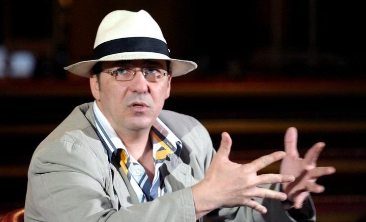 """Artistul Florin Chilian: """"Așadar, am o altă panaramă de președinte penal"""""""