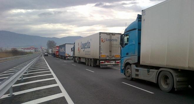 Coșmarul șoferilor români continuă la granița bulgaro-elenă.
