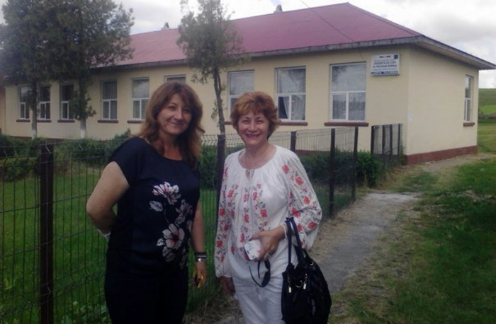 FOTO: Candidata Angela Vîlcu şi Doiniţa Toma, vicepreşedinte al femeilor liberale din Teleorman