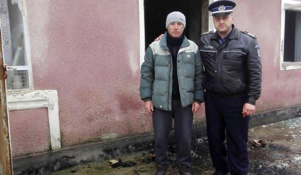 ag. șef Dănuț Sultana și cetățeanul Gigi Vlad