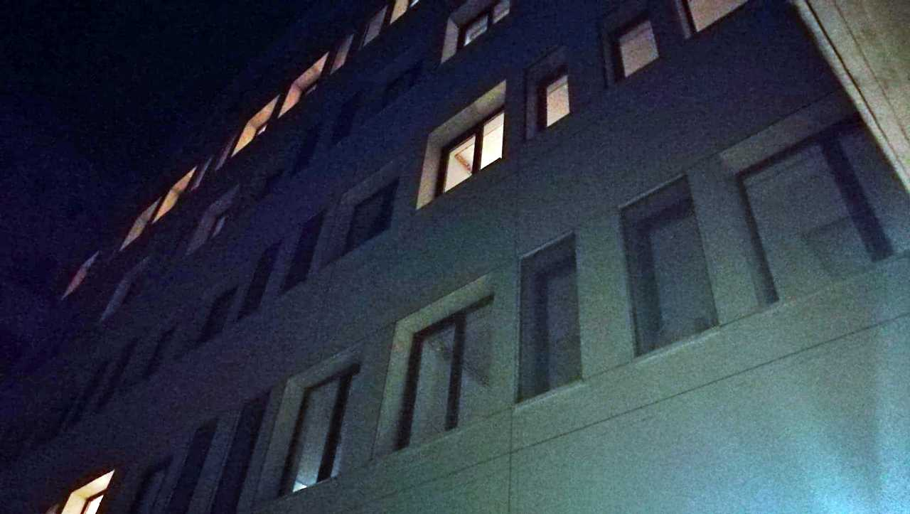Șocant: Un bărbat s-a aruncat în gol de la etajul 5 al Spitalului Judetean din Alexandria 1